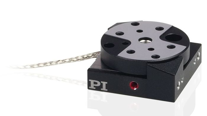 The Q-600 series of miniature rotary stages are based on the stick-slip motor principle. The Q-622 rotation features a diameter of 22mm and is designed to mount on the Q-522 linear stage.